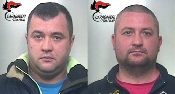 Carte clonate per prelevare carburante: i Carabinieri di Campobello arrestano due cittadini rumeni