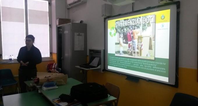 """Progetto """"Differenziandoci"""": iniziati gli incontri nelle scuole marsalesi"""