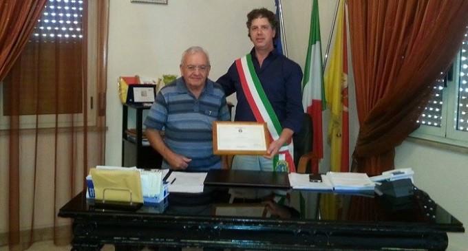 La solidarietà del sindaco Castiglione a don Tonino Aguanno, parroco di Vita