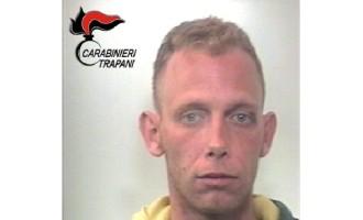 Marsala: aggredisce e minaccia i Carabinieri, arrestato