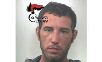 Marsala: tenta di scassinare una tabaccheria, arrestato dai Carabinieri