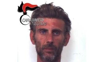 Trapani: evade dagli arresti domiciliari e commette un furto, arrestato