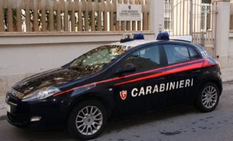 Trapani: sorpresi all'interno della Scuola Buscaino Campo, arrestati