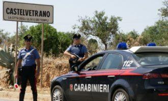 """Carabinieri di Castelvetrano e dei """"Cacciatori"""" trovano armi e droga"""