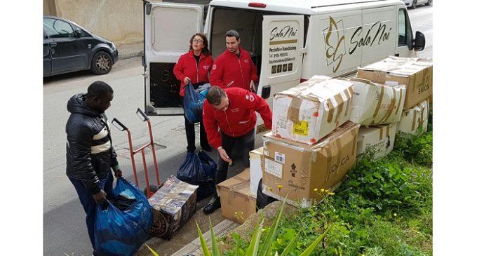 Castelvetrano: migliaia di capi d'abbigliamento donati alla Croce Rossa