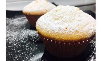 Muffin al cioccolato bianco con scorza di arance