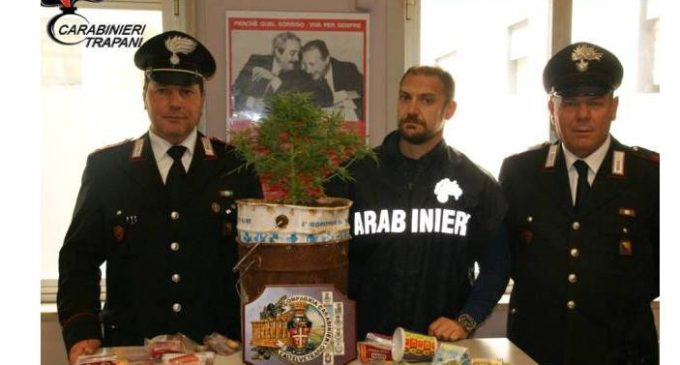Castelvetrano, dipendente comunale arrestato per possesso di marijuana