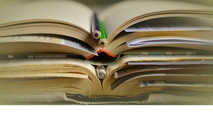 Campobello, contributi e borse di studio per gli studenti