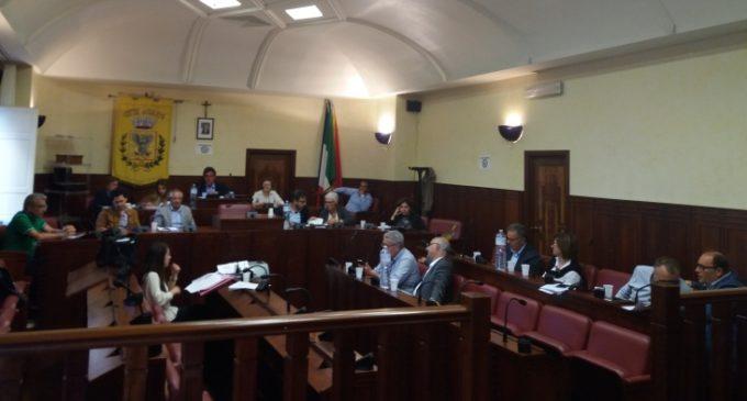 Salemi, novità in aula: la Valenti in Consiglio comunale, Maiorana esperto del sindaco