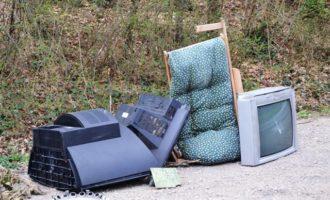 Campobello, emergenza rifiuti anche in città. Limiti nel conferimento