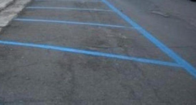 Attive da oggi le strisce blu a pagamento a Tre Fontane
