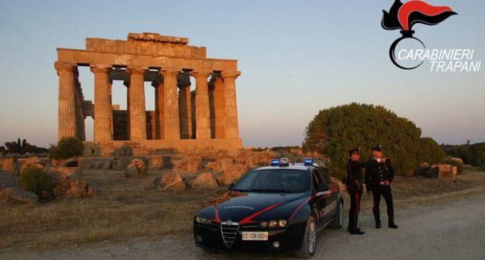 Importunava cittadini e turisti a Selinunte. Arrestato 56enne