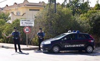 Tentano di rubare un'auto, danneggiando più vetture. Due arresti a Campobello di Mazara