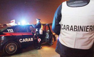 Alcamo: picchia la moglie, accoltella il cugino e aggredisce i carabinieri. Arrestato 34enne