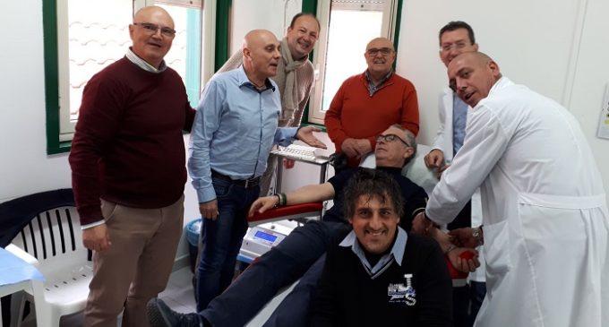 Il sindaco Nicola Catania dona all'Avis di Partanna