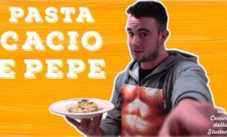 La Cucina dello Studente: Pasta cacio e pepe (VIDEO)