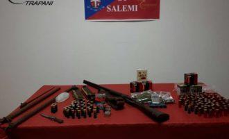 Salemi, arrestato 50enne per droga e detenzione illegale di armi. Intervento del nucleo cinofili