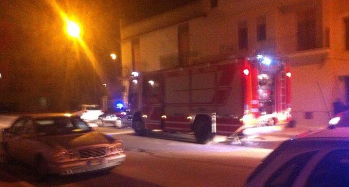 Partanna, a fuoco una abitazione in via Puccini. Intervento del 118