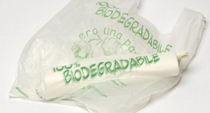 """Rivolta contro i sacchetti di plastica a pagamento. Codacons: """"tassa occulta"""""""