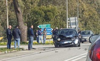 Non dà la precedenza: incidente allo svincolo autostradale
