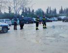Salemi, auto rimane bloccata in una buca. Necessario l'intervento dei vigili del fuoco