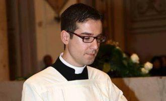 Marco Ludicina diventa presbitero, il giuramento in Chiesa Madre a Castelvetrano