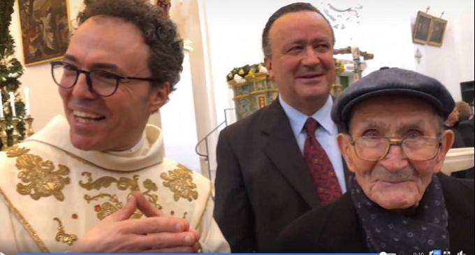 """Vincenzo Grimaldi, il """"bersagliere"""" dai cento anni e la sua grande festa di compleanno"""