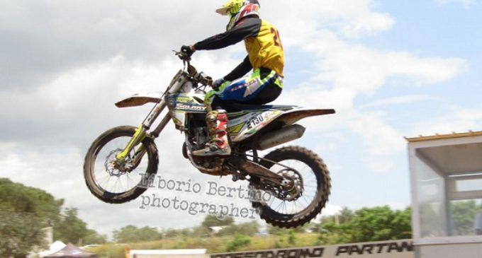 """Il Moto club """"Valle del Belice"""", apre la stagione con la """"2 ore a coppia"""" e il minicross. Foto e classifiche"""