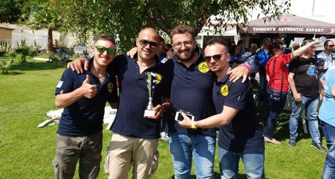 """Mille chilometri in """"Vespa"""" tra Sicilia e Calabria. Andrea, Gaspare, Michele, Calogero al Primo raduno nazionale Vespa Club"""