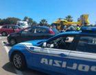 Grave incidente al Giro: auto travolge un motociclista