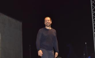 Orestiadi: Stefano Accorsi conduce gli spettatori fin sulla luna… di Filippo Triolo