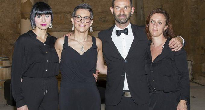 Salemi e l'eccentrica «Notte della Moda»: Nino Aloisi conquista tutti