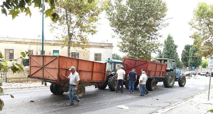 Salemi, impatto tra due trattori a Cappuccini. Tra le cause l'asfalto scivoloso