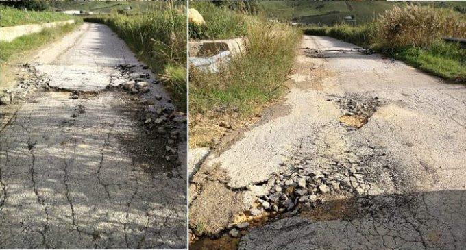 """Partanna, strada """"Donzelle, Bagarelle, Torre"""". Il cittadino segnala disagi per automobilisti e agricoltori"""
