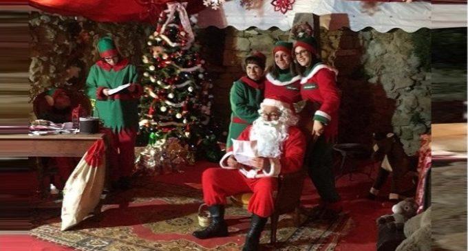 Babbo Natale E Gli Elfi.Il Villaggio Degli Elfi E La Casa Di Babbo Natale A Calatafimi Un