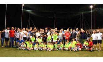 NuovaPartanna Calcio chiude la stagione con il match papà contro figli. Una serata tra grinta e spensieratezza